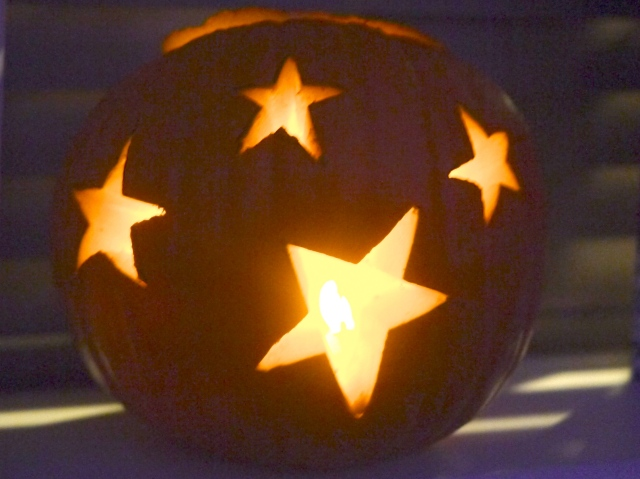 halloween-fancy dress and fire safety